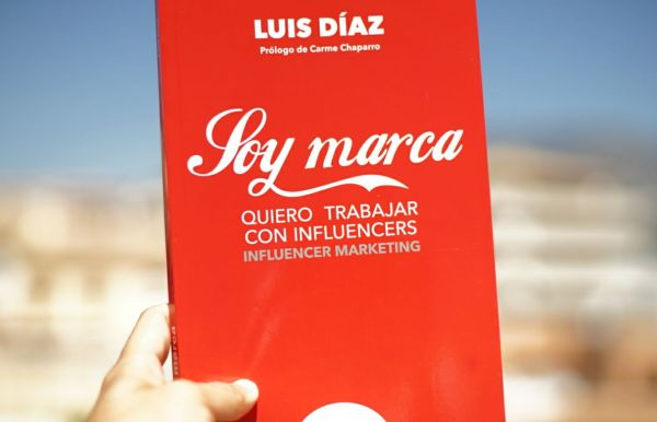Portada libro influencer marketing de Luis Diaz
